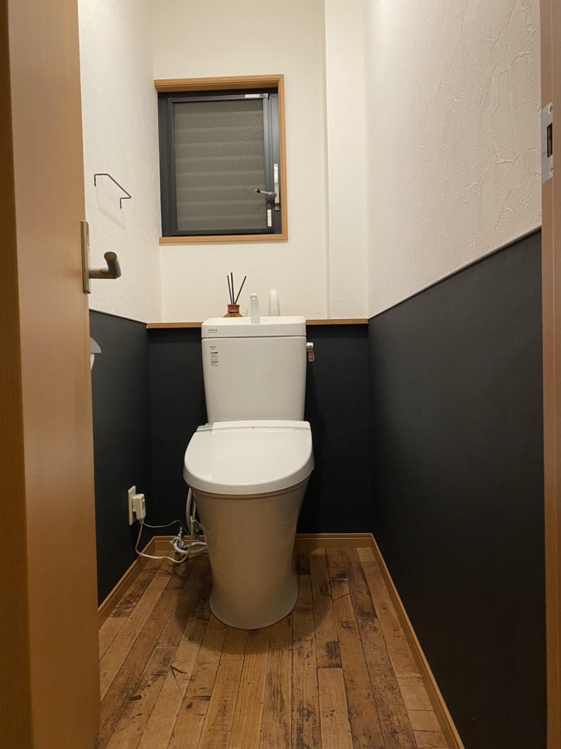 トイレ交換および内装工事
